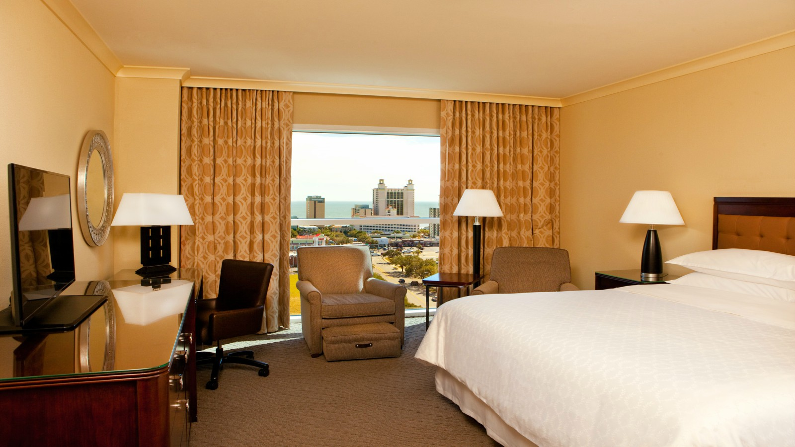 Traditional Room | Sheraton Myrtle Beach Convention Center Hotel