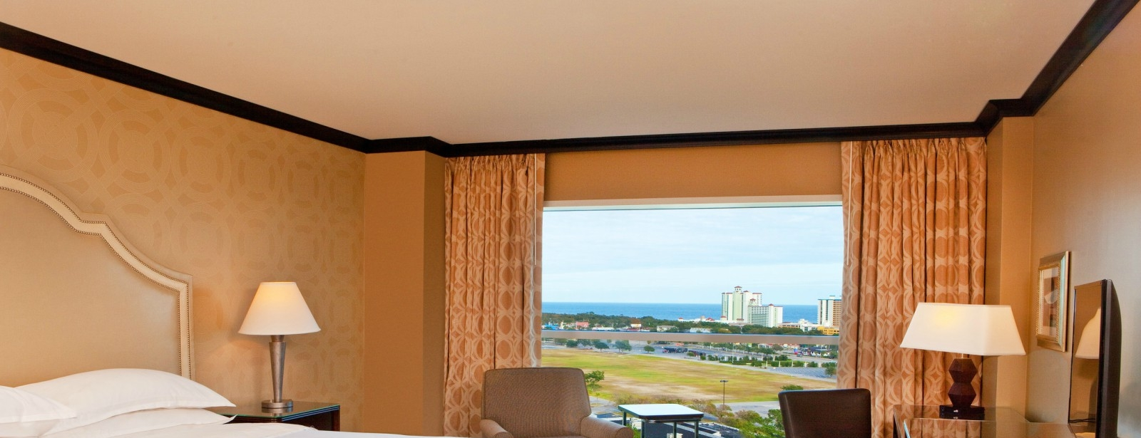 Hospitality Suite Bedroom | Sheraton Myrtle Beach Convention Center Hotel